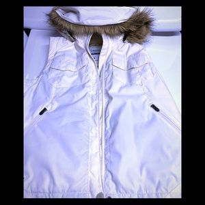 Like New Columbia Vest Size Medium